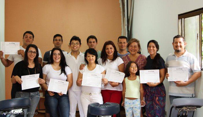 Esq. p/ dir. Marcelo, Fernanda, Pedro, Jéssica, Toshiro, Diego, Eliza, Cláudia, Paulo, Yuri, Naomi, Tatiana, Cléber.